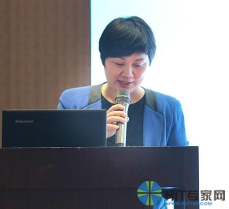 浙江省嘉兴市卫生计生局副局长王国芬做开场致辞