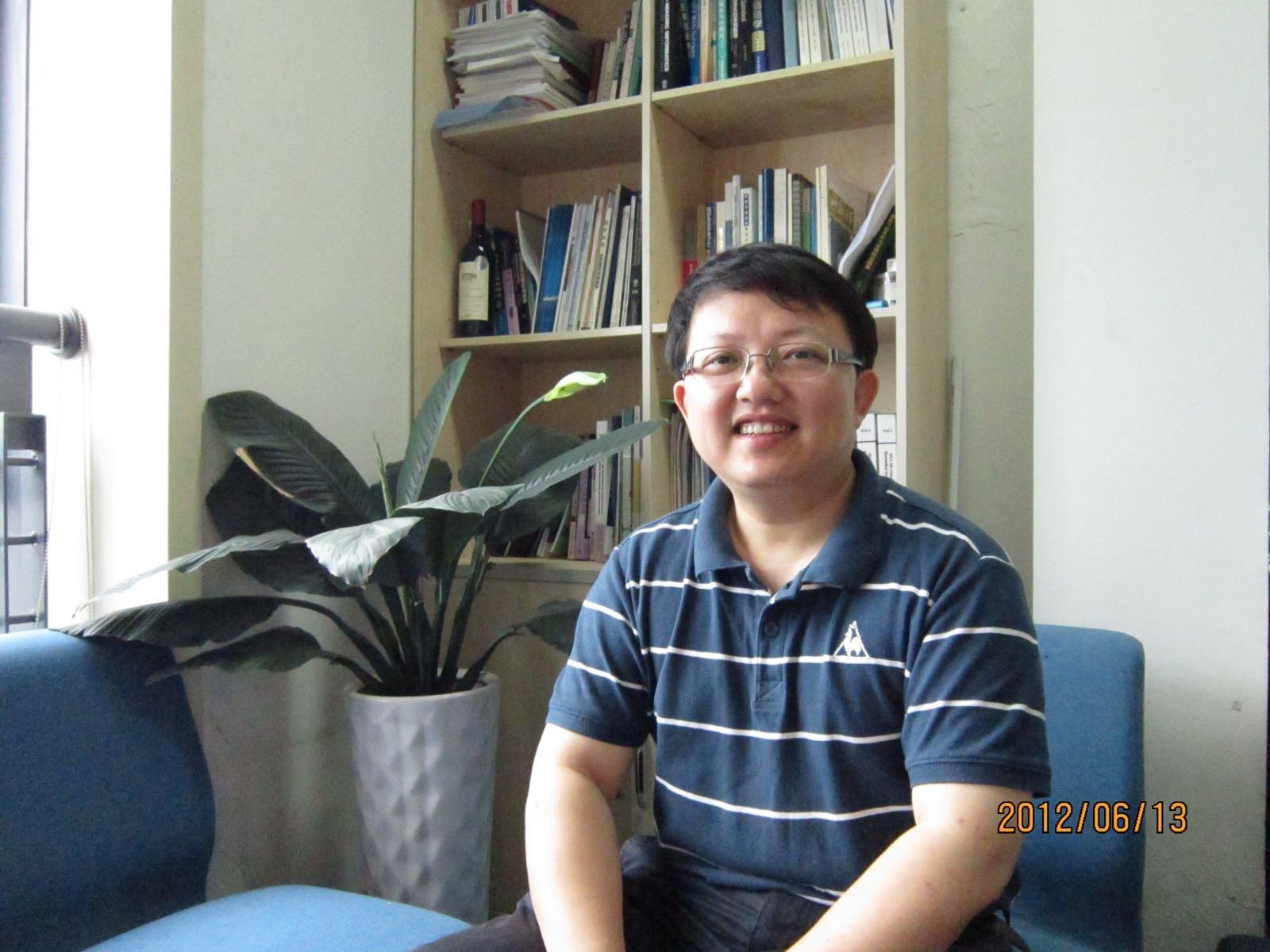 吕旭东教授